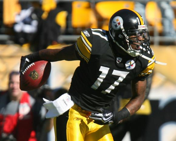 Mike-Wallace-Could-Tender-with-Pittsburgh-Steelers-Front-Office
