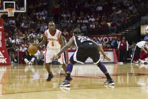 Rockets_vs_Kings_3-26-12_72dpi-25-300x200